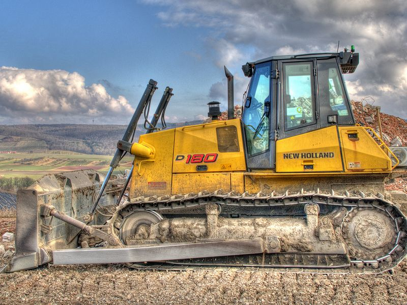 Buldozer New Holland D180 vand
